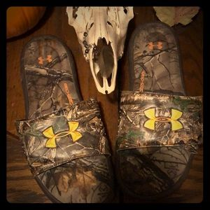 Men's under armour slippers